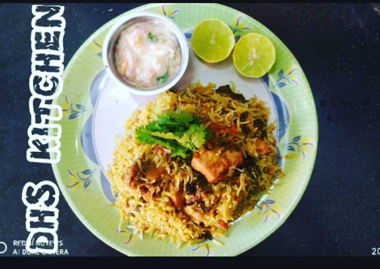 Hyderabad Chicken Dum Briyani