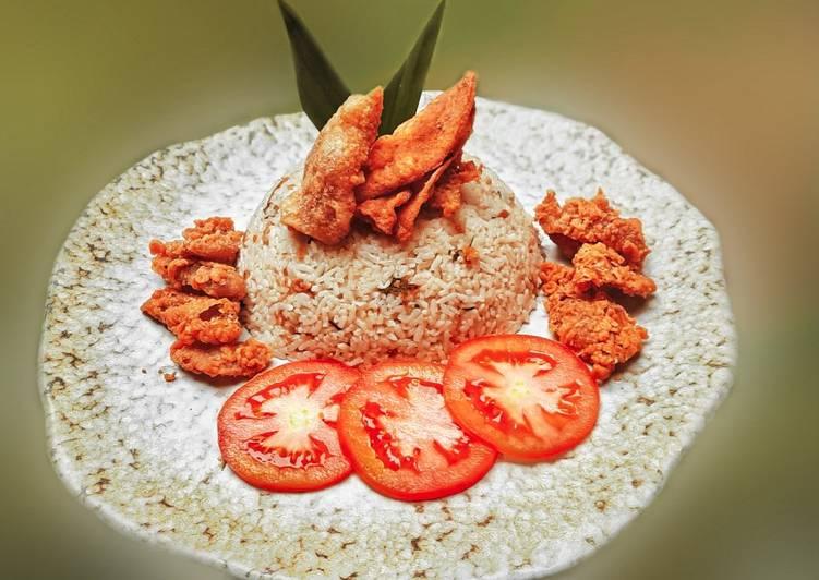 Nasi Hainan & Kulit Ayam Krispi