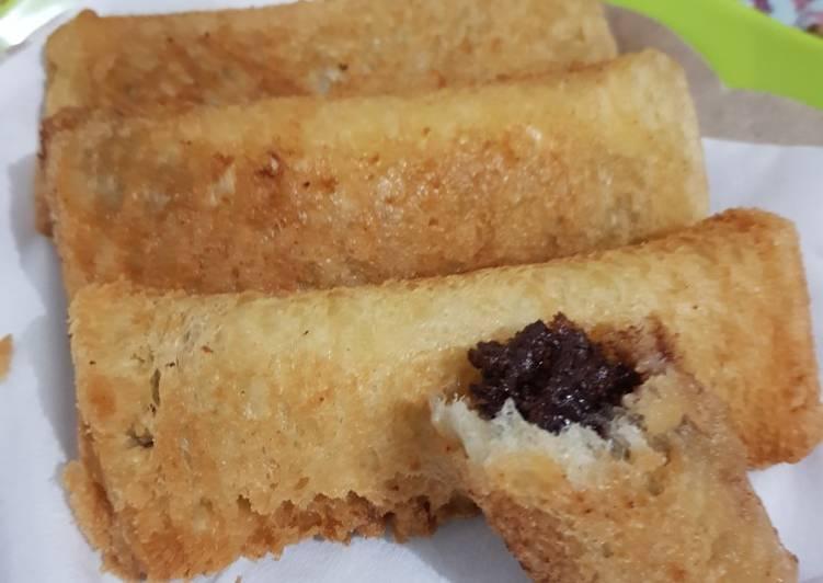 Roti tawar goreng isi coklat