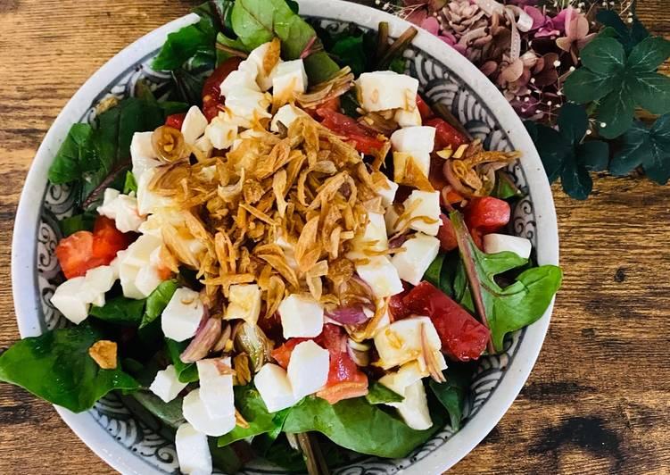 Recipe of Favorite Spinach and Mozzarella Salad