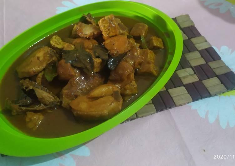 Ayam semur pedas