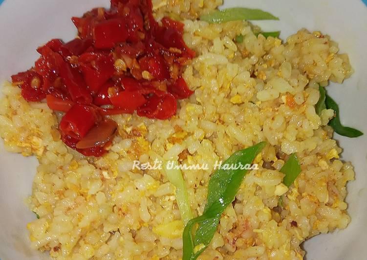 25. Nasi Goreng Kuning