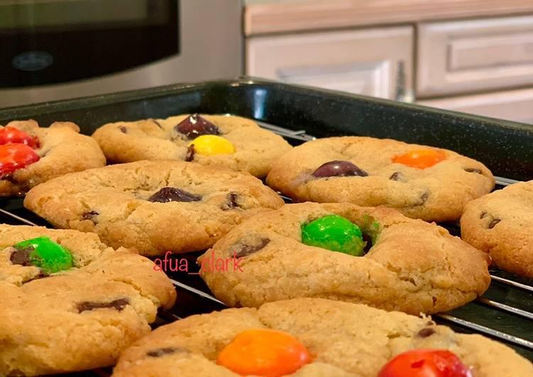 Rainbow cookies With Skittles 🌈