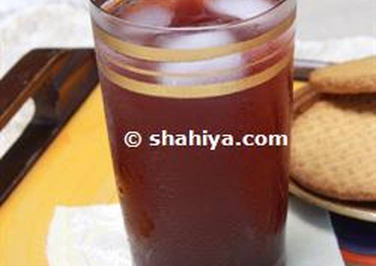 Sharab el toot: blackberry syrup