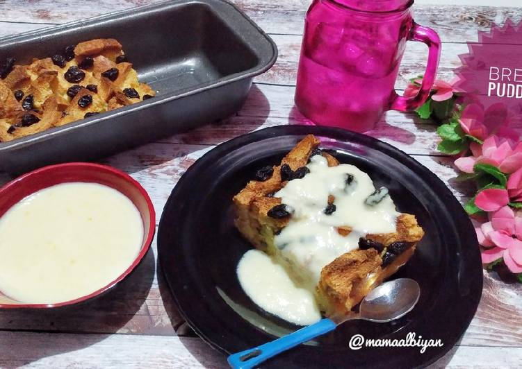 114. Bread Pudding with Vanilla Sauce (Pudding Roti)