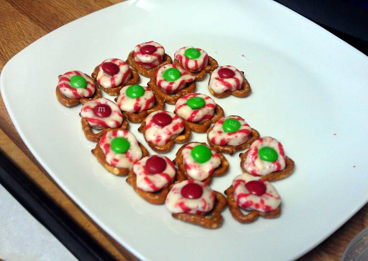 easy hershey holiday snack