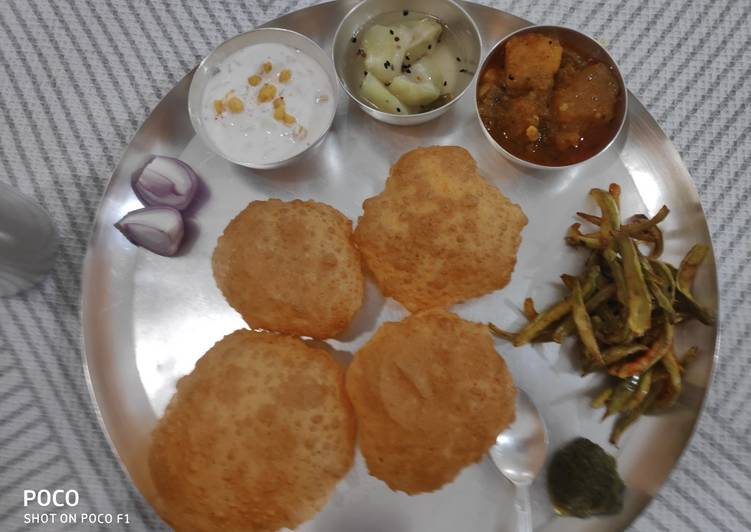 Dal Kachori with Aloo Kumdha Sabzi