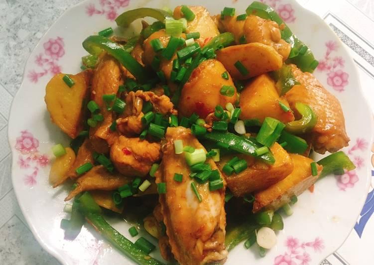 Cánh gà hầm khoai tây