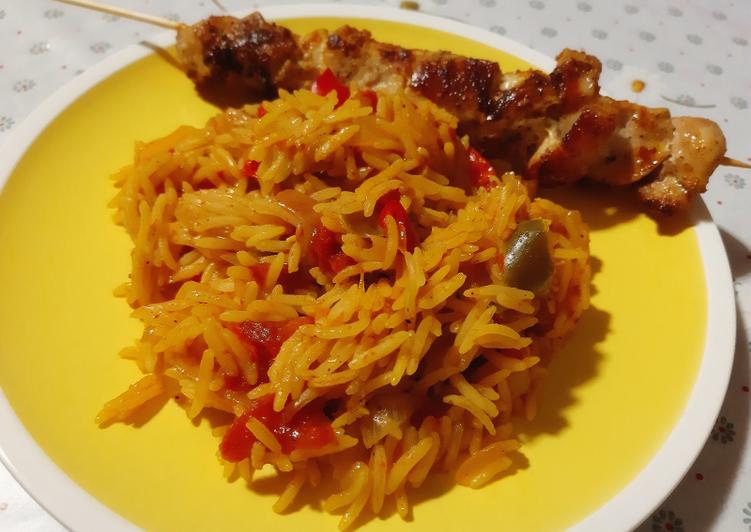 Brochettes de poulet accompagnées de riz aux légumes ❤