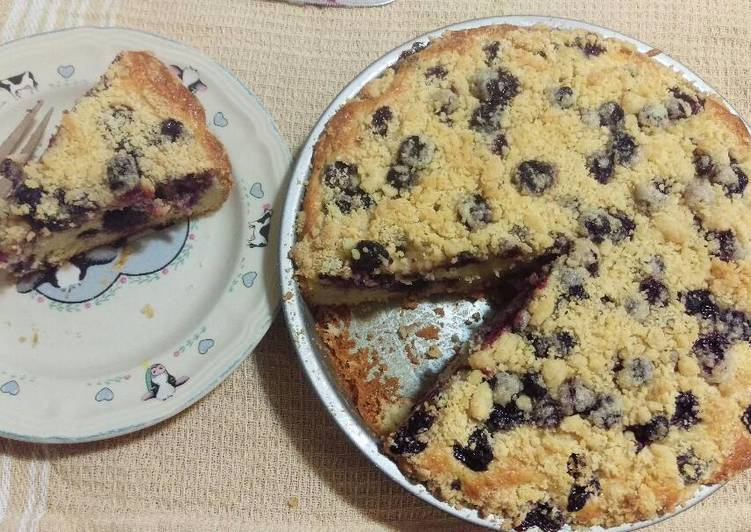 Easiest Way to Prepare Any-night-of-the-week Blueberry Crumb Cake