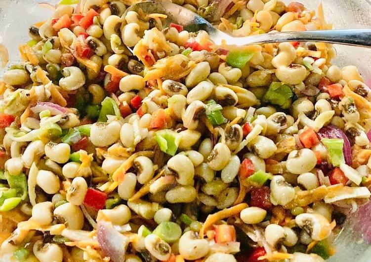 Griechischer Augenbohnensalat - Mavromatika Salata