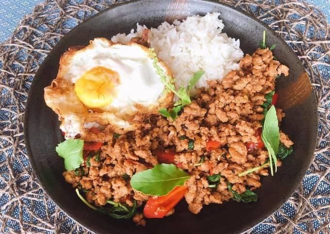 Recipe of 🧑🏽🍳🧑🏼🍳 Thai Holy Basil Stir-Fry Recipe (Pad Krapow) |ThaiChef food Very Simple
