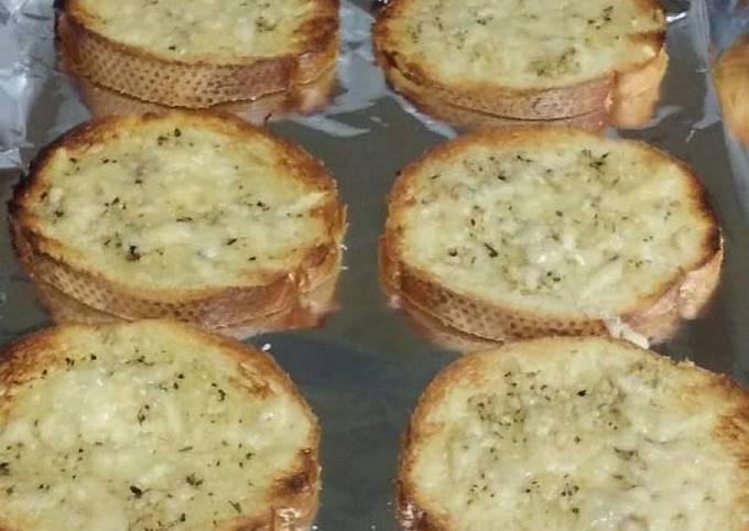 Homemade Cheesy Texas Toast