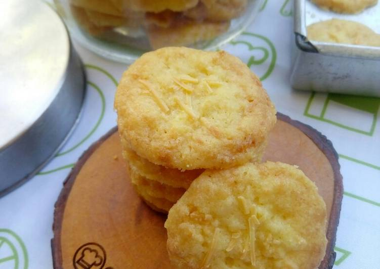 Eggless Cheesy Cookies