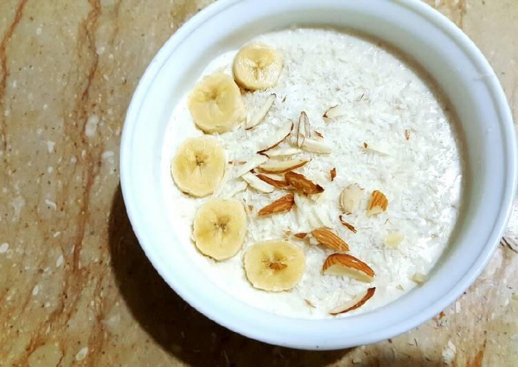 Recipe: Tasty Vanilla Oats with Coconut, Banana and Nuts😀