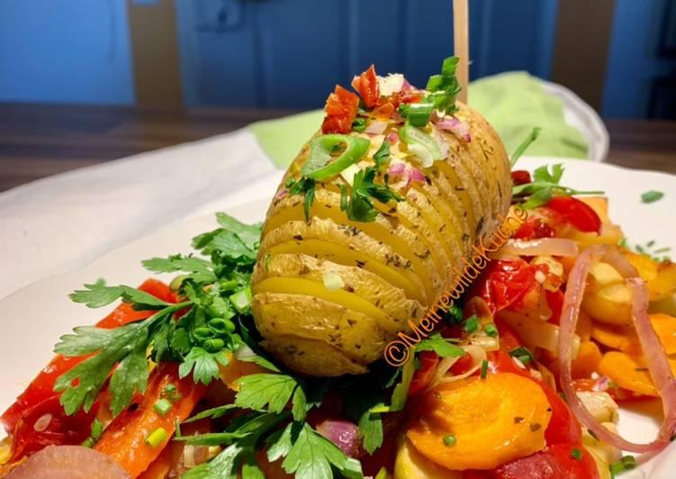 Kartoffelfächer auf Gemüsebett