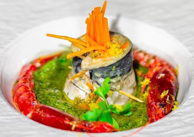 Rotolino di Sgombro & Crudo di Gambero Rosso su Salsa di Prezzemolo ed Acciughe