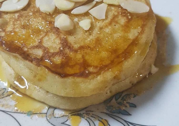 Glorious fluffy banana pancakes