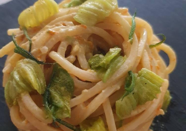 Spaghetti al pesto di fiori di zucca