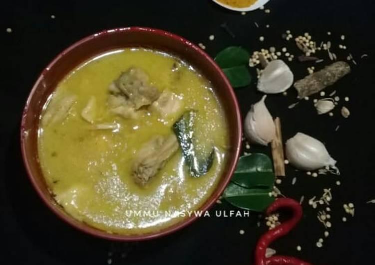 Kare Ayam - cookandrecipe.com