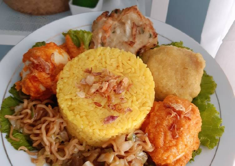 Nasi kuning magic com tanpa santan