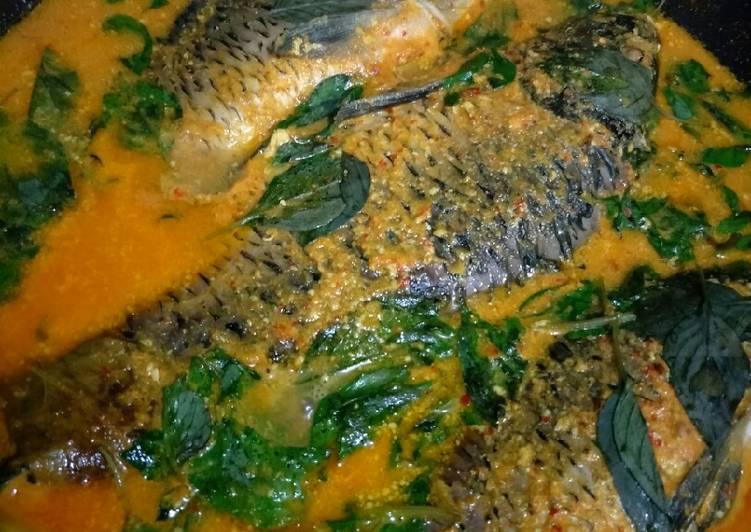 Gulai ikan mas tambah kemangi... 😊