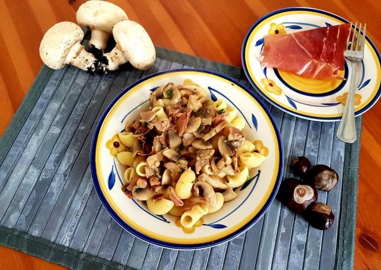 Ricetta Pasta alle castagne, funghi e prosciutto crudo