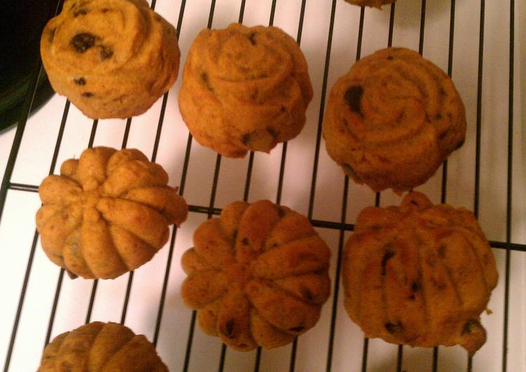 Chocolate chip, Walnut, and Pumpkin Cookies!