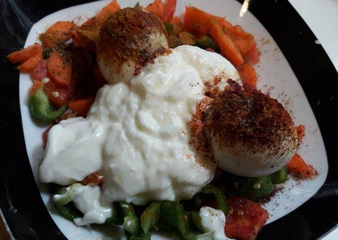 Egg healthy salad breakfast