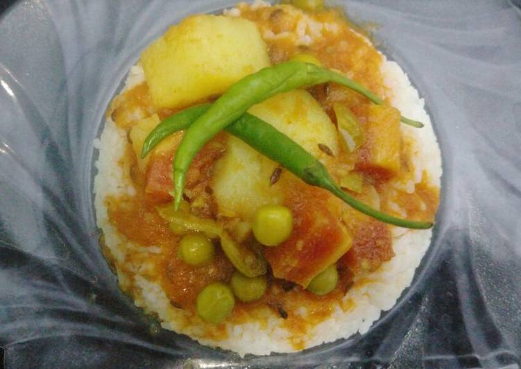Tomato curry with rice