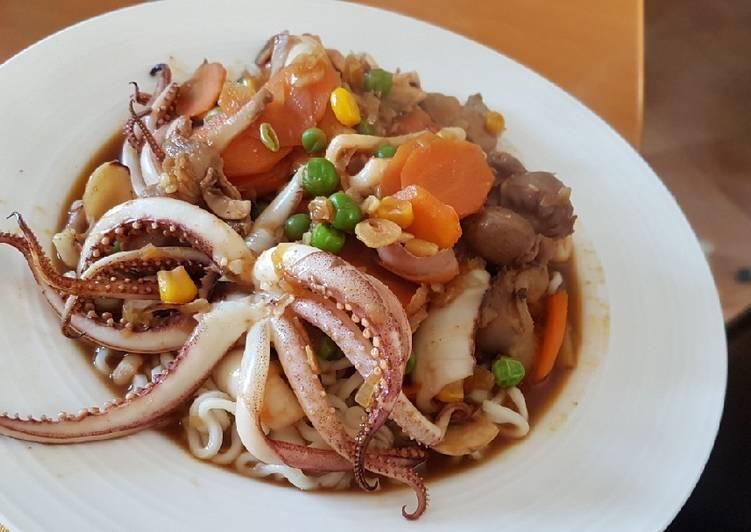 Recipe: Yummy Squids n' Veggies stir fry