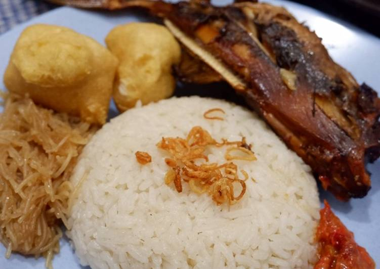 Resep 11. Nasi Uduk Magic Com Paling Mudah