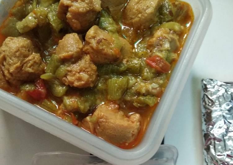 Nutri soya chunks in turai bhaji