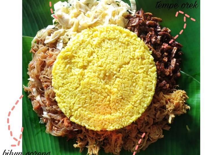 Nasi Kuning dan pelengkap rendah lemak