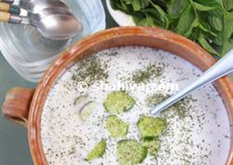 Cucumber Salad with Yoghurt and crushed Mint
