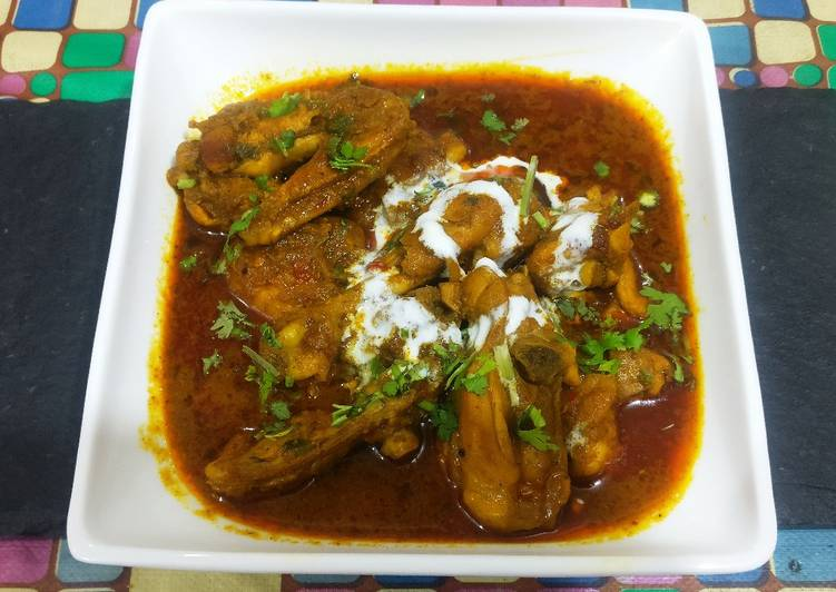 How to Prepare Appetizing Chicken in yogert & spices