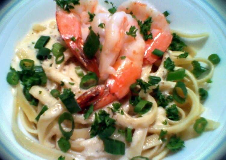 Easiest Way to Prepare Yummy shrimp alfredo w/ pasta