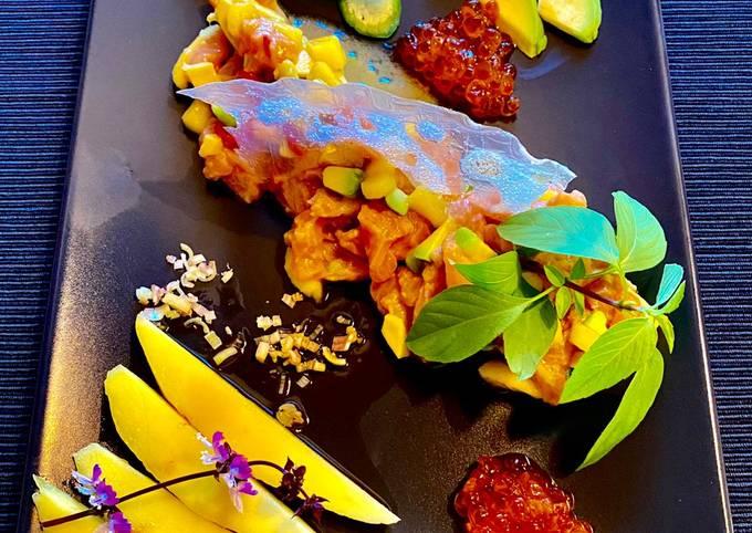 Lachs-Ceviche mit Mango und Avocado