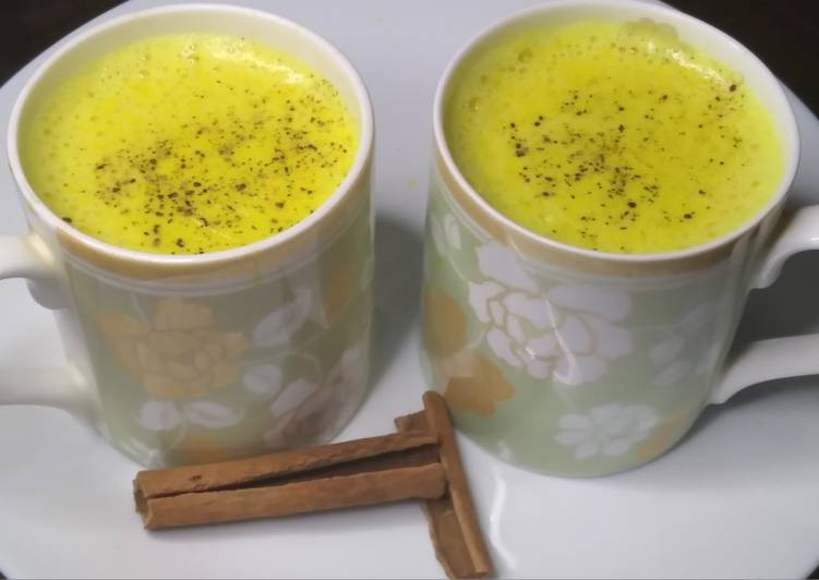 How to Make Super Quick Homemade Golden milk