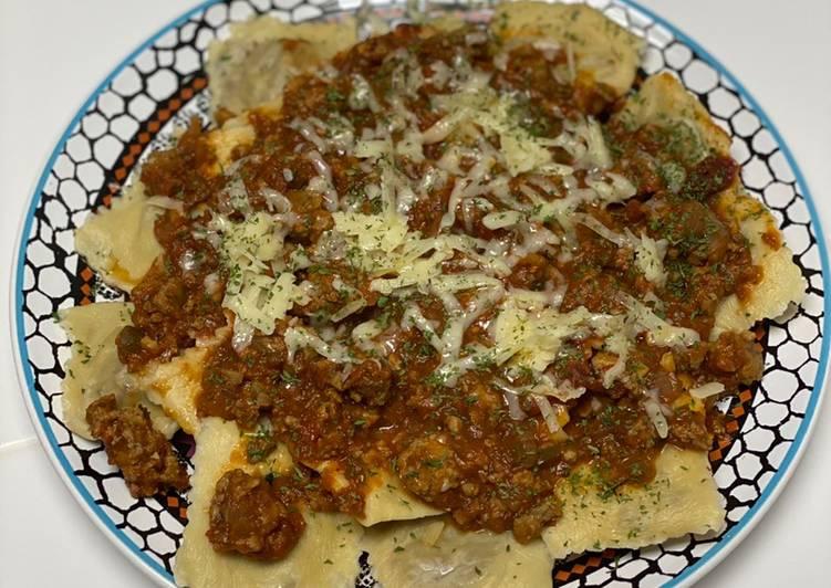 Ravioli w/ Meat Sauce
