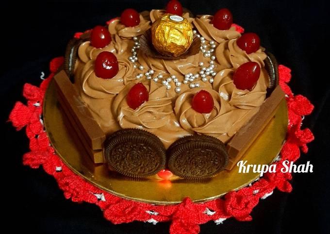 Chocolate decadent cake (no oven, no butter & no condensed milk)