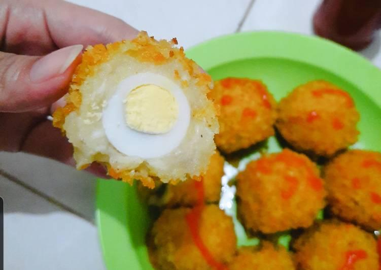 Bola-bola kentang isi telur puyuh