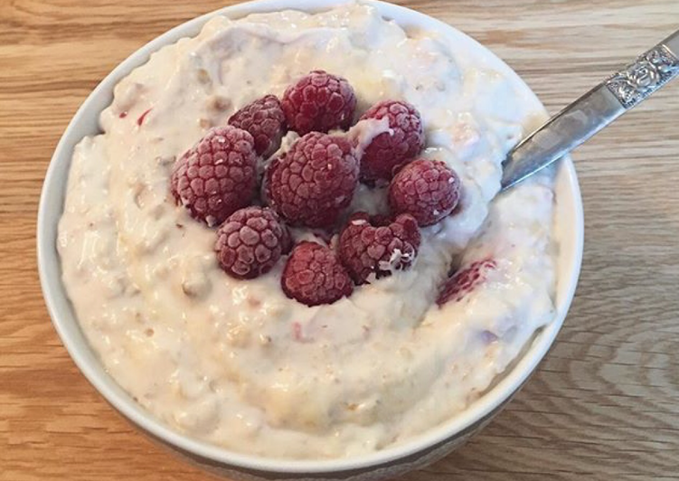 Easiest oatmeal ever microwaved healthy dessert or breakfast