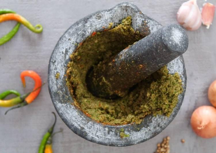 Homemade vegan Thai green curry paste