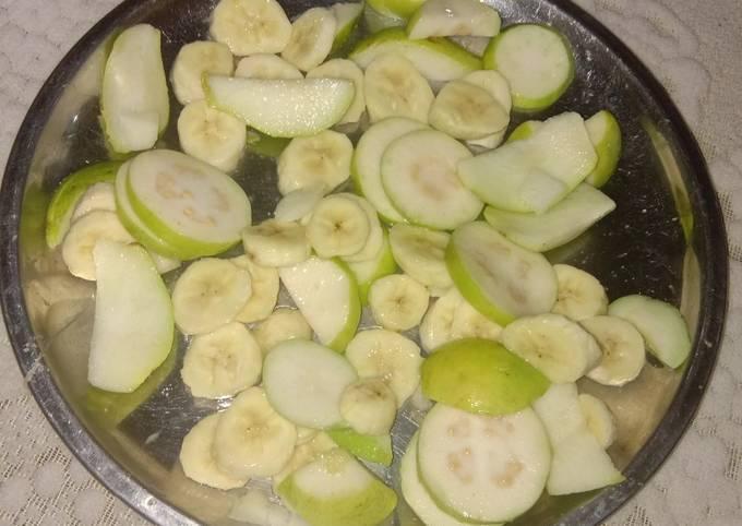 Healthy fruits salad