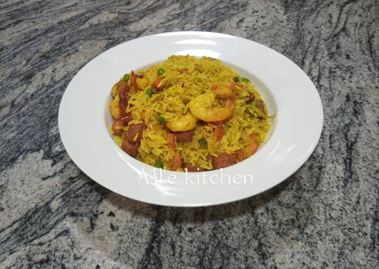 Recipe of Quick Fried rice with shrimps and chicken sausage