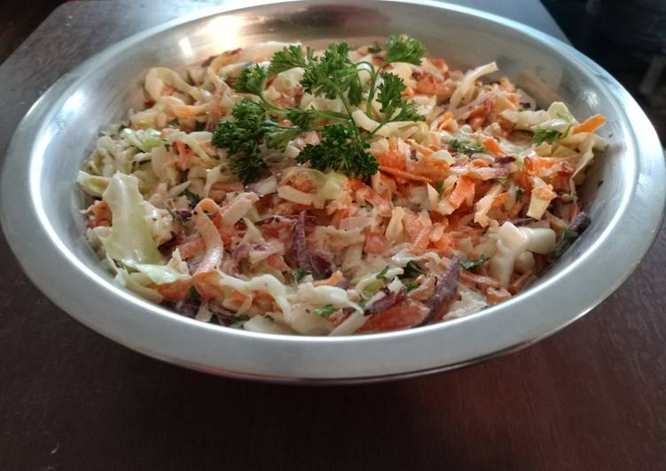 Recipe of Ultimate Cabbage and carrot slaw