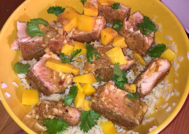 Comment Cuisiner Saumon croustillant à la mangue et sa sauce sucrée