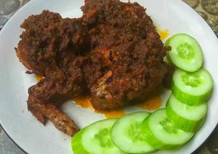 Resep Ayam bumbu hitam khas madura oleh Vivi Febriany - Cookpad