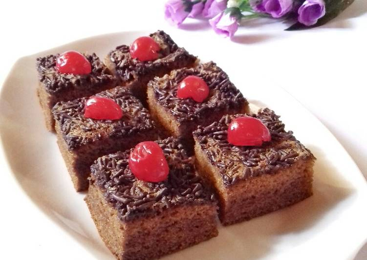 resep menyajikan Bolu Gula Merah - Sajian Dapur Bunda